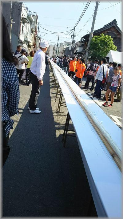 100メートルのかまぼこは長い